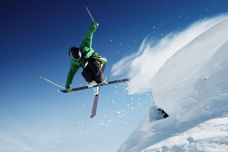 Elev som ski. Foto.