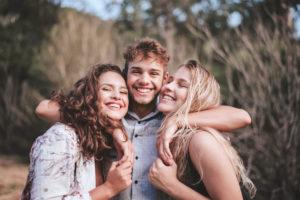 Glade ungdommer